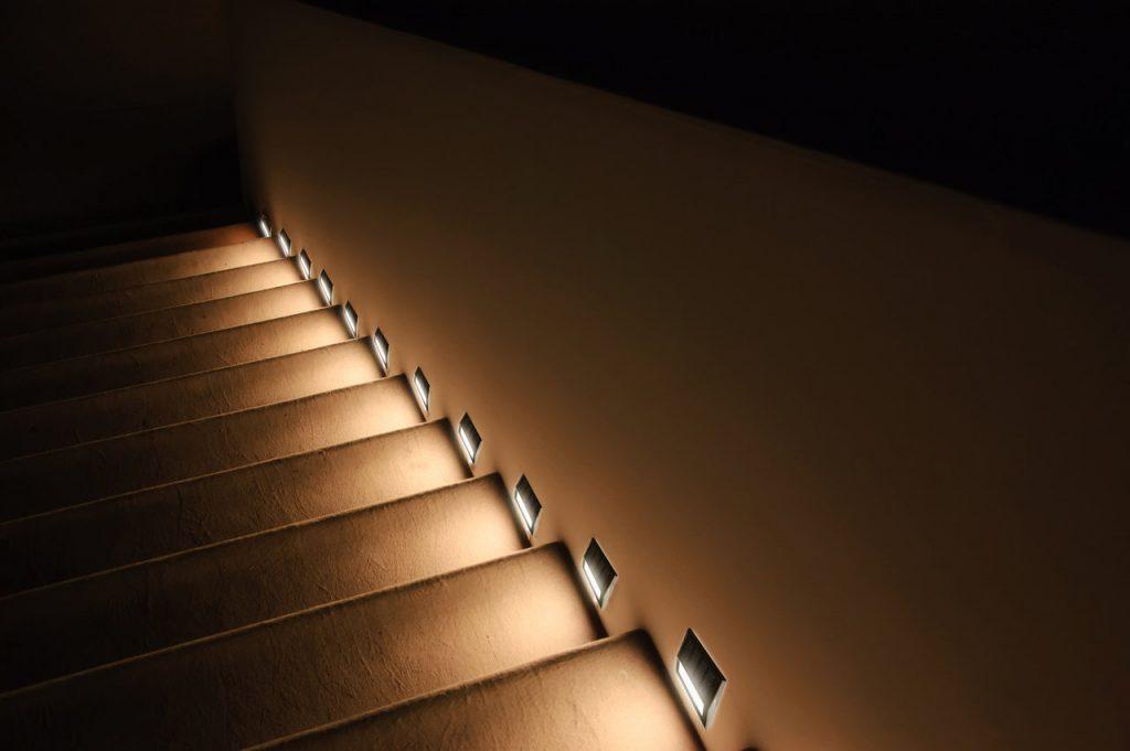 Chytré osvětlení schodiště