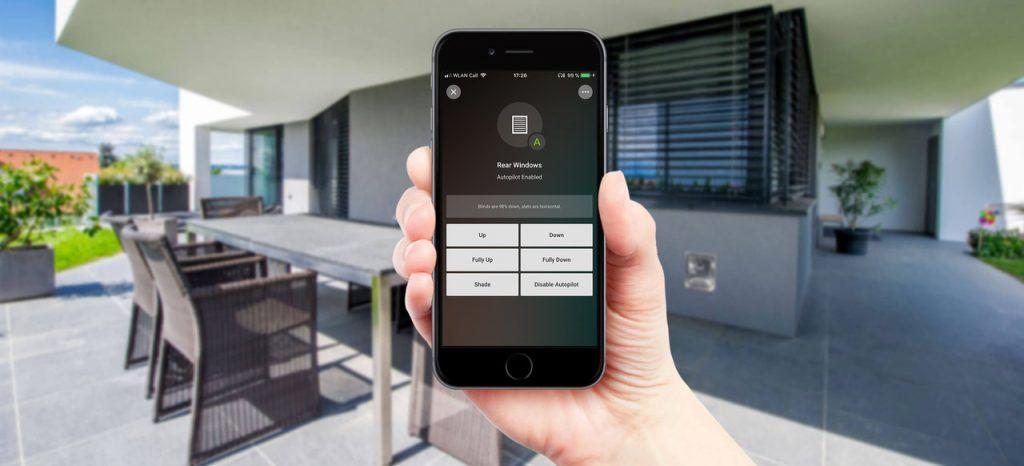Chytré žaluzie ovládané přes mobilní aplikaci Loxone
