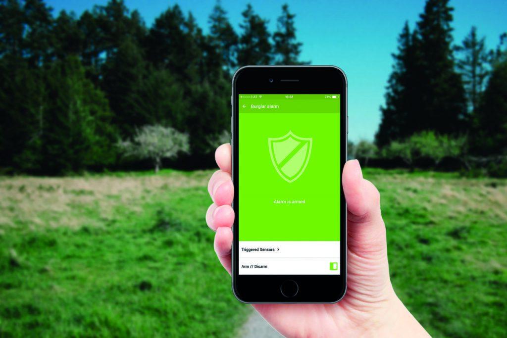 Mobilní aplikace informuje o spuštěném alarmu