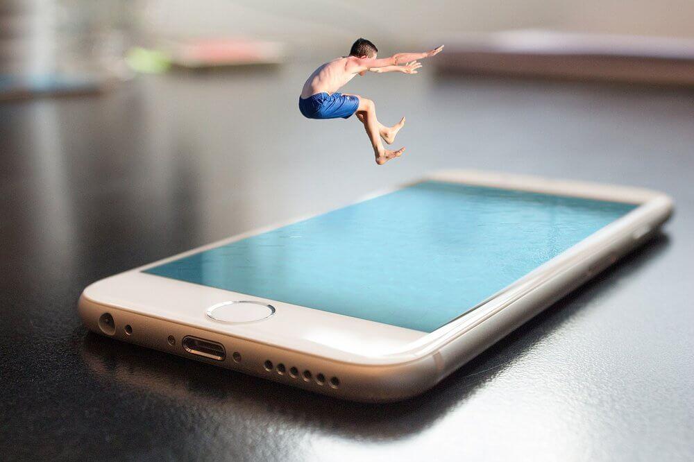 Chytrý bazénový alarm napojený na mobilní aplikaci