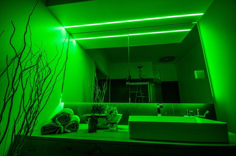 Zelená barva světla v koupelně - melatonin